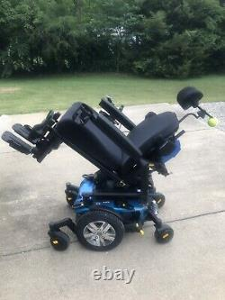 2018 QUANTUM Q6 EDGE 2.0 Power Chair Wheelchair with Tilt and Lift, Only 60 mi