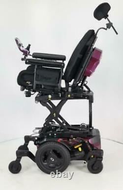 2020 Pride Quantum Edge 3 Stretto with iLevel, Power lift and Lift power chair