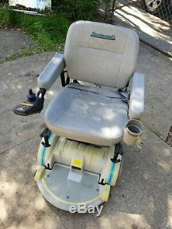 Hoveround Teknique FWD power chair with hydraulic lift included