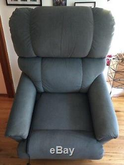 La Z Boy Luxury Lift Power Recliner with Heat and Massage Less than 2 years old