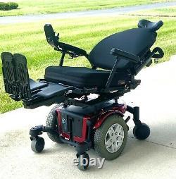 Power wheelchair Quantum 600 low miles full recline tilt feet lift nice chair