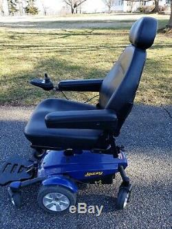 Pride Jazzy Select 6 electric wheelchair With Reclining Chair And Power Lift